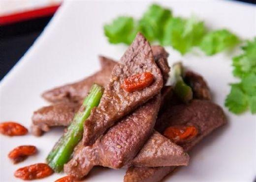 Những thực phẩm cấm kị ăn chung với gan heo, bạn đã biết?