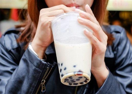 Chuyên gia hé lộ bí quyết uống trà sữa thỏa mái mà không sợ tăng cân