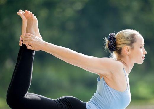 Giấc mơ vòng bụng phẳng chẳng còn xa vời với 15 tư thế Yoga sau