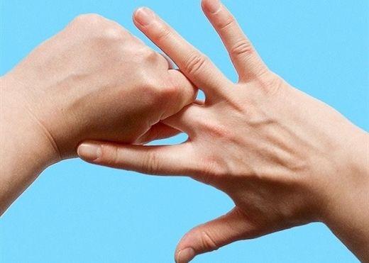 Cách massage ngón tay để giảm stress trong 5 phút của người Nhật