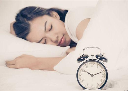 Điều gì xảy ra với cơ thể khi đi ngủ lúc 10 giờ đêm, dậy lúc 6 giờ sáng?