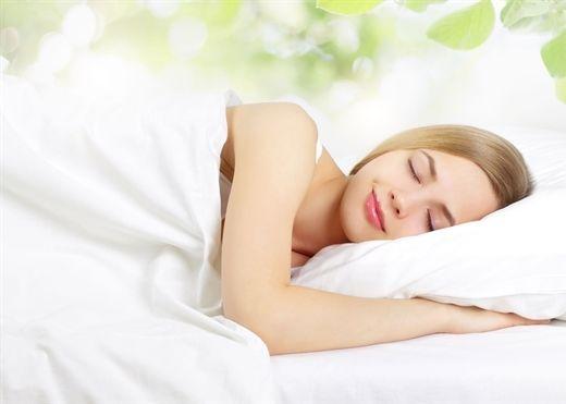 Trước khi đi ngủ, dành ít phút làm những việc này để sức khỏe dẻo dai, da dẻ rạng ngời