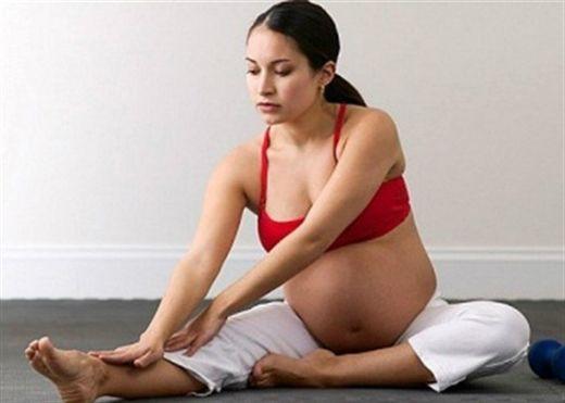 11 điều cần tránh để giảm phù chân khi mang thai