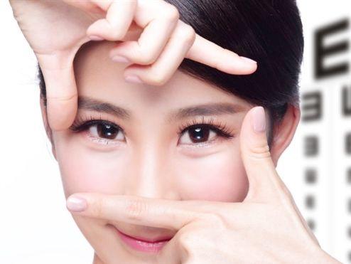 Bạn sẽ nhanh chóng lấy lại đôi mắt long lanh, sáng khỏe với 12 bí quyết đơn giản này