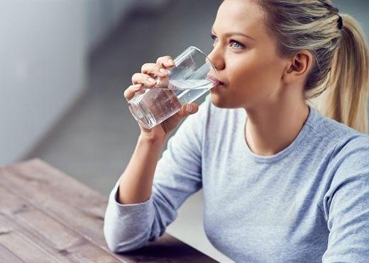 Thói quen uống nước sai lệch gây ảnh hưởng nghiêm trọng đối với sức khỏe