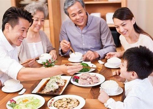 Những sai lầm khi ăn tối hơn 90% người Việt mắc phải khiến tuổi thọ bị