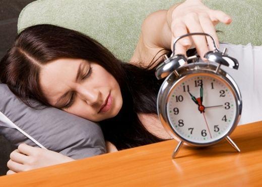 Thói quen ngủ hơn 8 tiếng mỗi ngày đang tàn phá cơ thể bạn kinh khủng như thế nào?