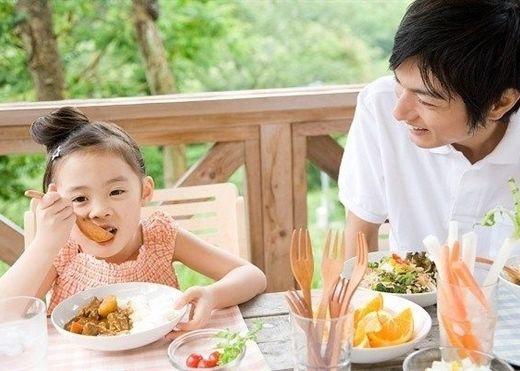 Thực phẩm khiến trẻ lùn tịt và còi cọc, bồi bổ bao nhiêu cũng không thể cao lớn