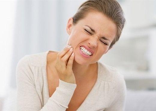 10 cách giảm đau răng tức thì trước khi bạn gặp nha sĩ