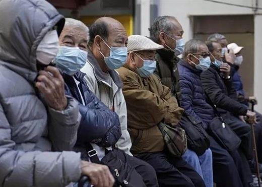 Làm thế nào để bảo vệ người lớn tuổi khỏi nguy cơ nhiễm COVID-19?