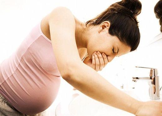 Ngăn ngừa ốm nghén, cải thiện sức khỏe thai nhi chỉ cần ăn những loại thực phẩm này
