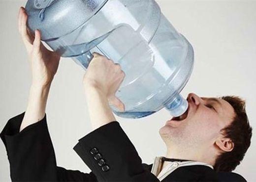 Uống nhiều nước là tốt hay hại cơ thể?