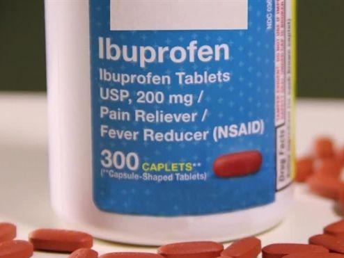 Có nên sử dụng thuốc ibuprofen khi sốt do COVID-19 hay không?