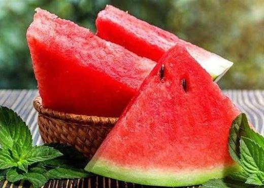 5 nguy hại khôn lường khi ăn quá nhiều dưa hấu