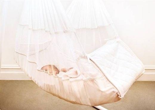 Điểm mặt hàng loạt tác hại của việc thường xuyên cho con ngủ võng rất ít phụ huynh quan tâm