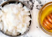 6 loại dầu tự nhiên giúp mái tóc mềm mượt và ngăn ngừa gãy rụng