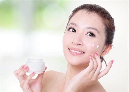 Muốn có làn da tươi trẻ căng mọng, điều quan trọng là phải chọn kem dưỡng ẩm phù hợp