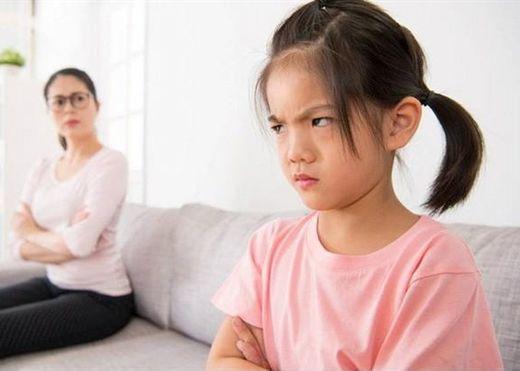 Giúp con đối phó với cơn giận: Quát mắng lúc này chỉ phản tác dụng