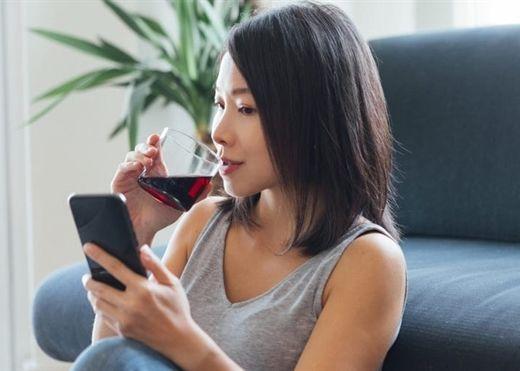 Những người hay bao biện uống rượu tiêu diệt được vi trùng thì nên đọc ngay bài viết này