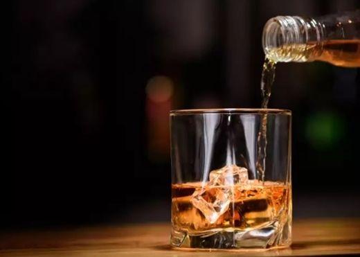 Những thức uống quen thuộc ít ai ngờ lại dễ dẫn đến táo bón