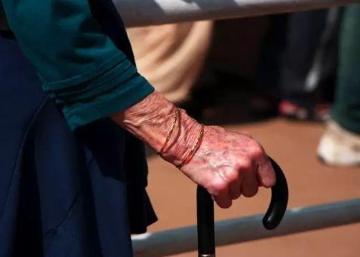 Giảm nguy cơ mắc bệnh Parkinson bằng cách tăng lượng vitamin C và E