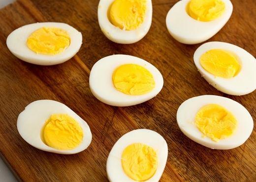 Trứng luộc có thực sự tốt cho phụ nữ mang thai?