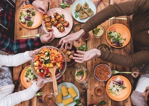 Những sai lầm trong bữa tối khiến bạn tăng cân vù vù