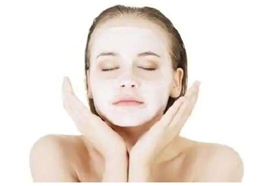Tẩy trắng da mặt giúp làn da sáng mịn nhưng đây là lý do không nên lạm dụng nó
