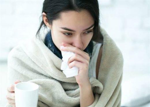 Những dấu hiệu cảnh báo bệnh nghiêm trọng hơn bị cảm lạnh thông thường