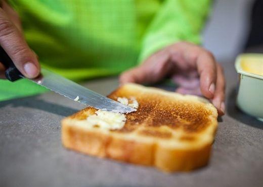 Carbs tinh chế như bánh mì trắng, mì ống và bánh ngọt làm tăng nguy cơ tử vong sớm