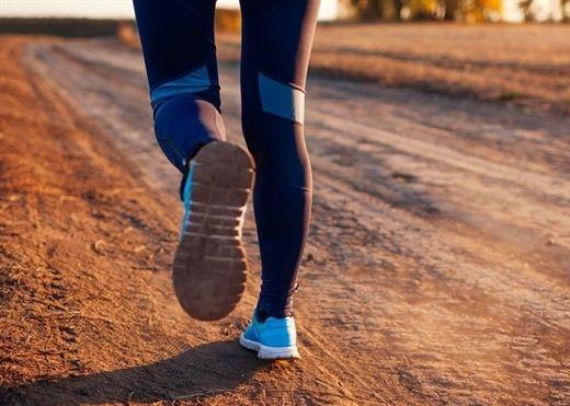 Chạy bộ hàng ngày có nhiều lợi ích sức khỏe nhưng cũng nhiều tác dụng phụ khó ngờ