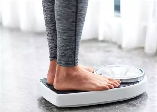 Giảm cân và giảm béo khác nhau gì nhau và cái nào có lợi hơn cho sức khỏe?