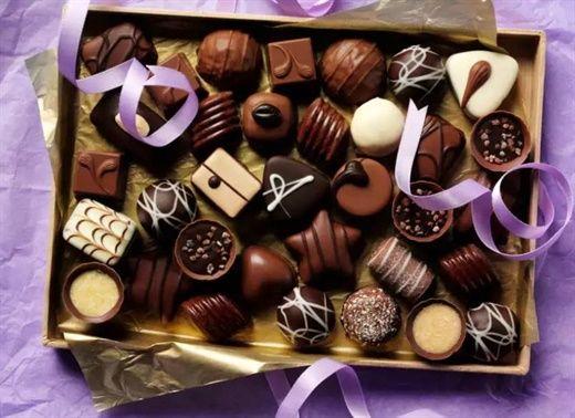Thèm socola nhưng ăn một miếng cũng phải đắn đo, học ngay cách chọn socola lành mạnh nhất để tận hưởng vì ngon của nó