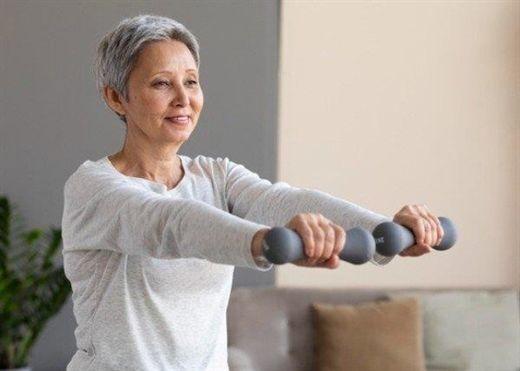 Dành cho phụ nữ ngoài 40: Những mẹo giúp chị em giữ được cơ thể khỏe mạnh và tràn đầy năng lượng