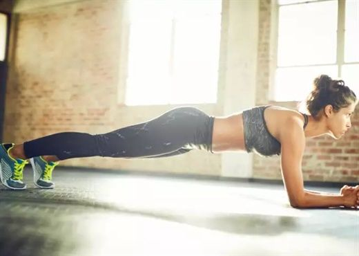 Động tác plank có nhiều tác dụng nhưng ít ai biết cần giữ tư thế plank trong bao lâu để đạt lợi ích tối đa