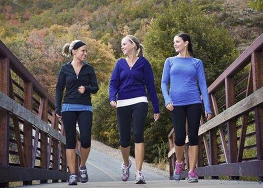 8 cách để bạn hứng thú hơn với thói quen đi bộ