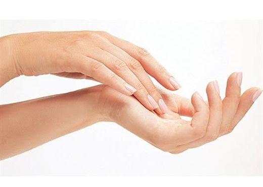 Da tay nhăn nheo thô ráp, hãy thực hiện ngay 6 biện pháp khắc phục tại nhà