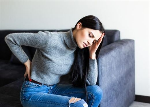 Bạn thường bị đau lưng sau khi ăn không? Đừng chủ quan, đau lưng cũng là dấu hiệu cảnh báo tình trạng sức khỏe nghiêm trọng