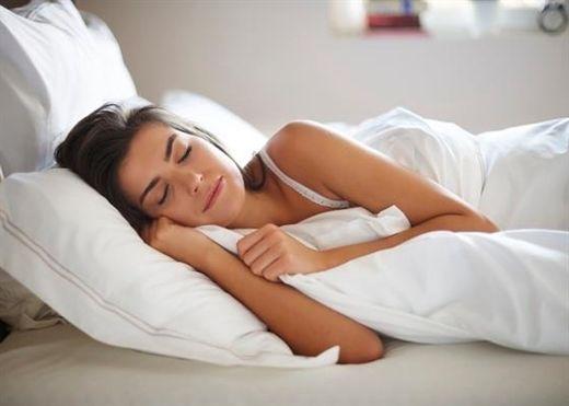 Thiếu ngủ dẫn đến mệt mỏi nhưng ngủ quá nhiều cũng không tốt, đây là 6 dấu hiệu rõ ràng cho thấy bạn đang ngủ quá nhiều