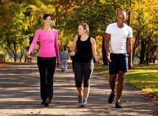 Đi bộ mỗi ngày tăng cường khả năng sáng tạo và ngăn ngừa chết sớm