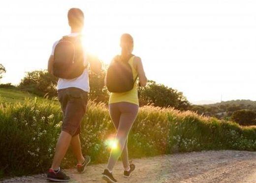 Đi bộ đúng cách mang lại nhiều lợi ích sức khỏe nhưng nên tránh những điều sau để đạt hiệu quả cao nhất