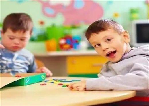 Khoảng 1/4 trẻ em dưới 8 tuổi mắc bệnh tự kỷ chưa được chẩn đoán, cha mẹ cần để ý ngay những dấu hiệu này để có sự can thiệp kịp thời