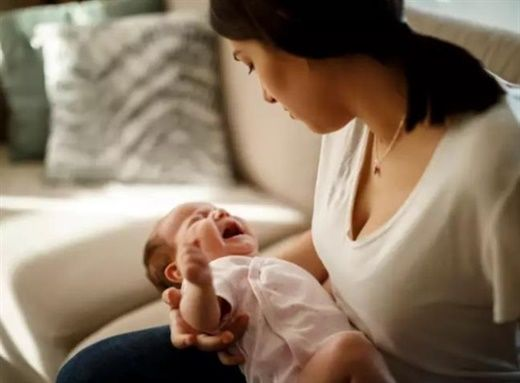 Thời điểm sinh con ảnh hưởng đến khả năng mẹ bị trầm cảm sau sinh