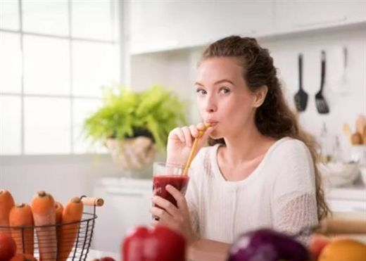 Sự đổi màu sắc của nước tiểu, đôi khi cảnh báo vấn đề sức khỏe nhưng cũng có thể do các loại thực phẩm này