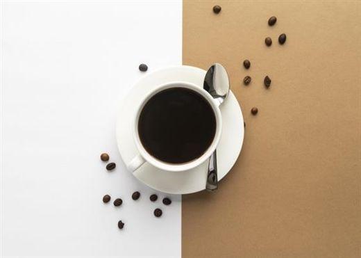 Một người nên dùng bao nhiêu cà phê mỗi ngày là an toàn và người huyết áp cao có nên uống cà phê không?