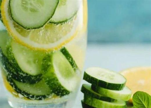 Lời khuyên giúp giữ mát cơ thể trong mùa hè nóng bức, tránh bị nổi mụn hay kiệt sức vì mất nước