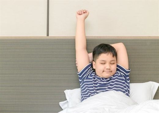 Béo phì thừa cân khiến trẻ dễ bị body shaming, vậy đâu là cách để giúp con phòng tránh?