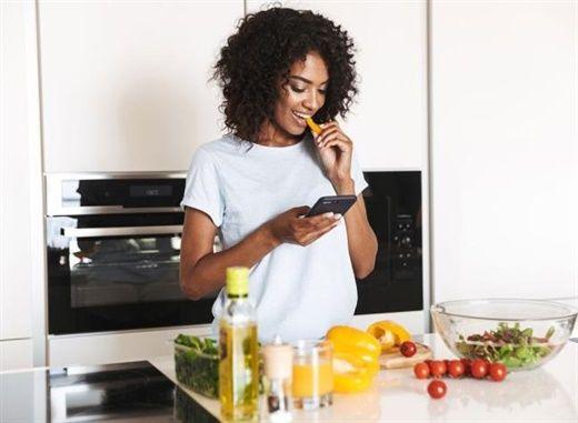 Những thói quen ăn uống tồi tệ nhất đối với phụ nữ, cần ngừng ngay để bảo vệ sức khỏe