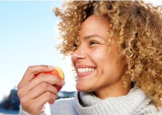 Những loại trái cây tốt nhất giúp hàm răng trắng sáng theo gợi ý của nha sĩ
