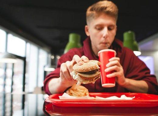 Những thói quen hàng ngày ít ai ngờ lại dẫn đến nguy cơ tiểu đường